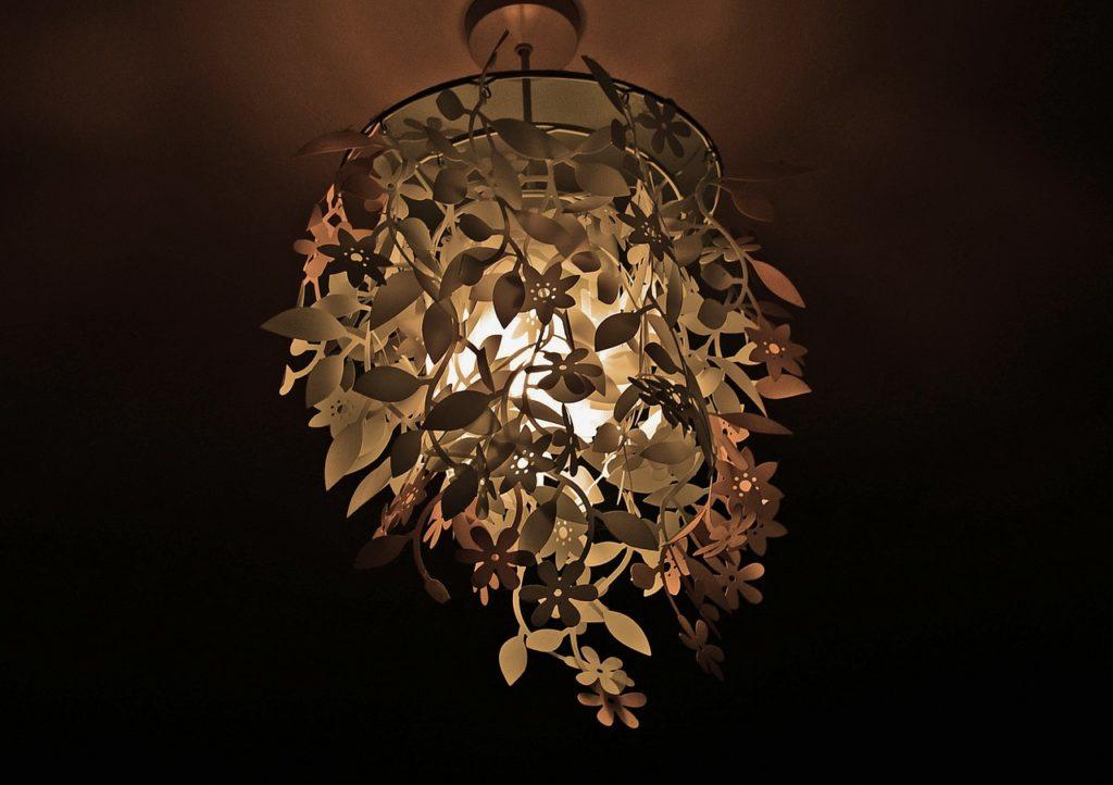 lampa w listki