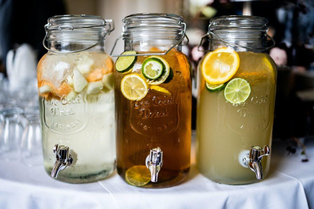 napoje woda w słoikach