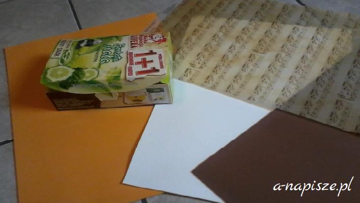 pudełko i kartki