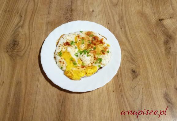 jajko sadzone, posiłek białkowy, jadłospis diety ONZ