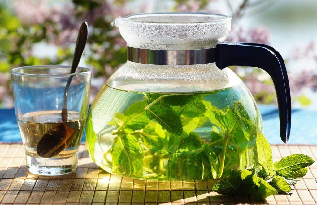 rozgrzewająca herbata miętowa